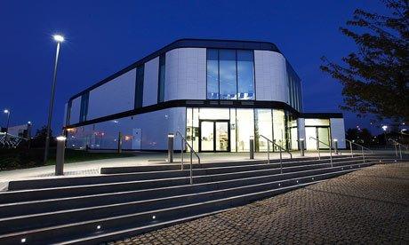 University of Hertfordshire law court building